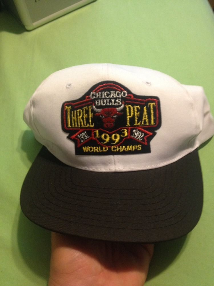 VINTAGE 1993 CHICAGO BULLS NBA WORLD CHAMPIONS 90 S SNAPBACK RARE HIP HOP   NBA 01518c8f2443