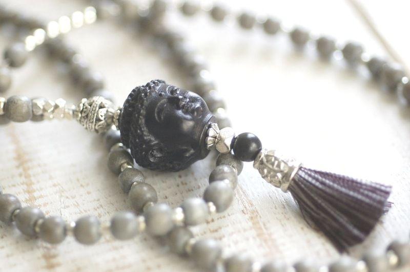 STEINGRAUE Holzkette ✪ TIBET ✪ HOLZ Buddha ✪Quaste von Juwelenkind® Schmuck auf DaWanda.com