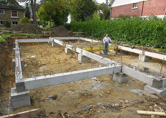 Fondations spéciales d\u0027une construction - Longrines sur pieux de 18m - Enduire Un Mur Exterieur En Parpaing