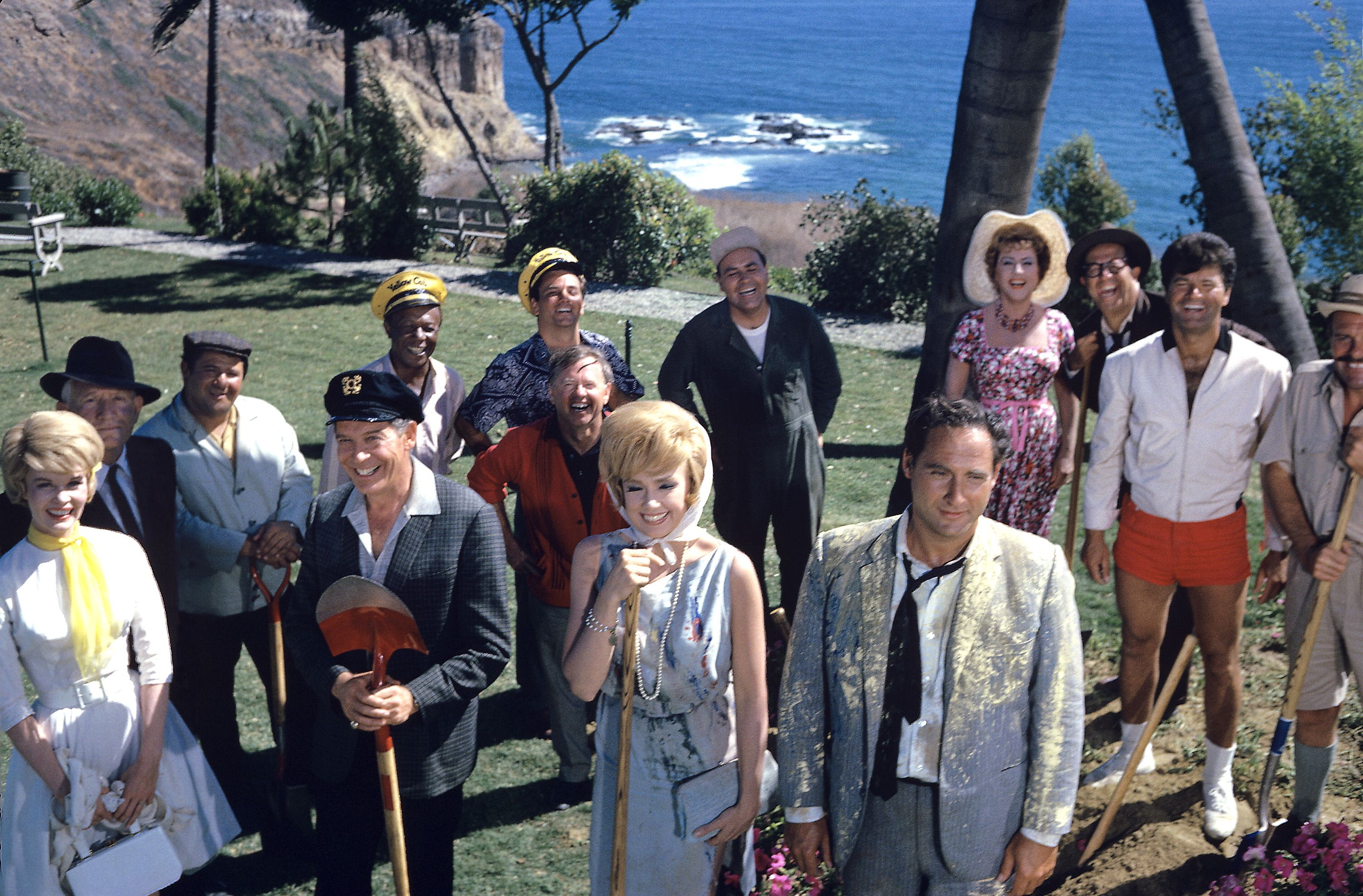 Cast Group Shot From The 1963 Movie It's A Mad, Mad, Mad