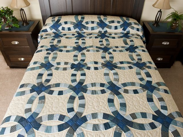 Double Wedding Ring Quilt Marvelous Made With Care Amish Quilts From Lancaster Hs7259 Double Wedding Rings Double Wedding Ring Quilt Wedding Ring Quilt