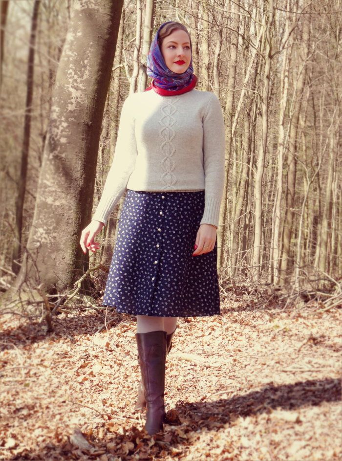 d8df8f6e674dd Lilly Jarlsson - Sunday stroll 1940s / 1950s country style. Vintage dress,  knit jumper, head scarf and boots.