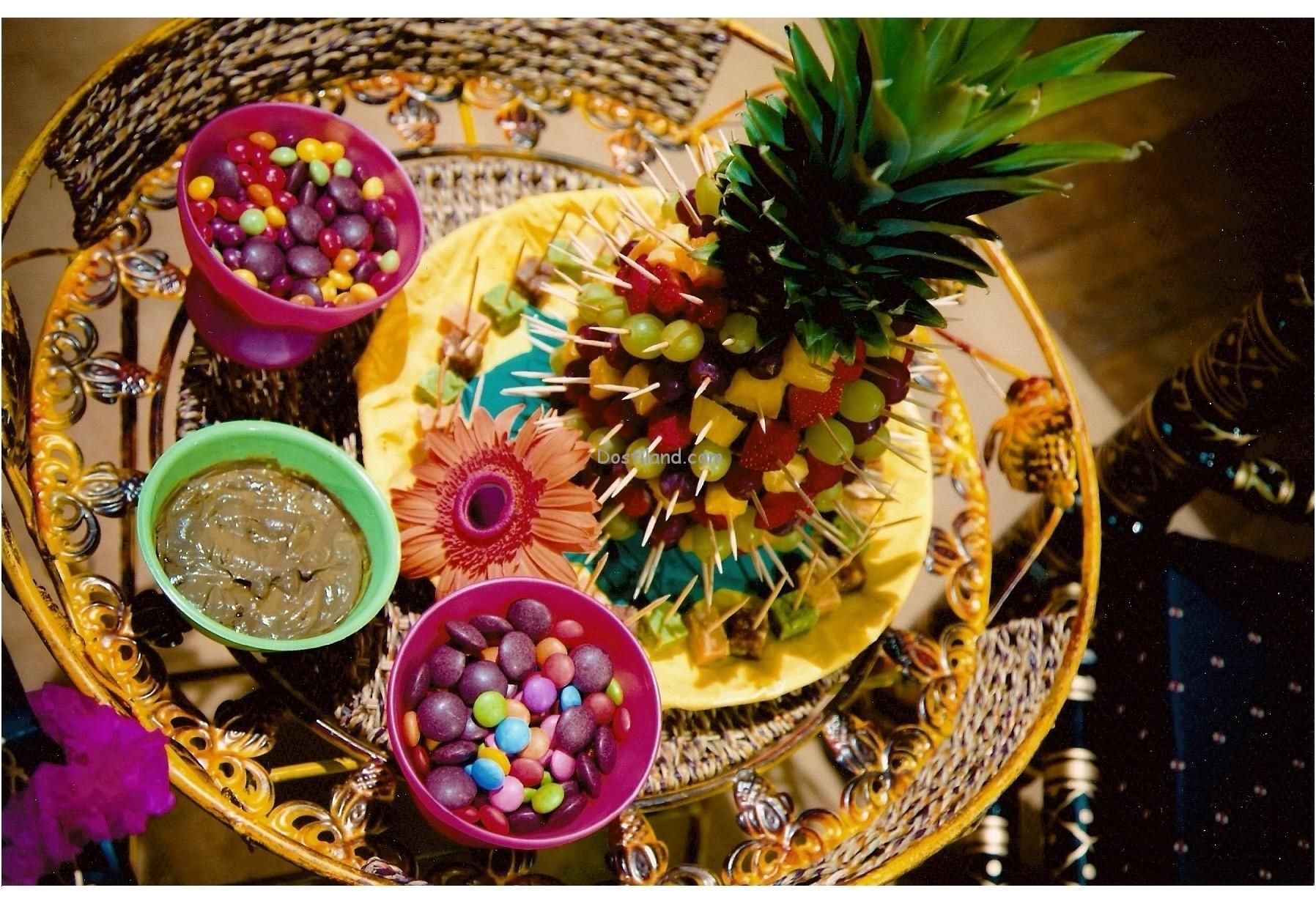 Mehndi Thaal Decoration Ideas I : Rasam tray cut sweets up and put cocktail sticks in them