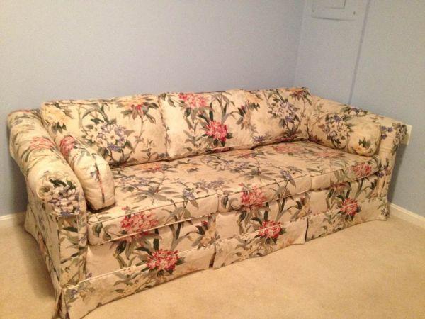 Vintage Furniture · W. DC: Classic Floral Sofa $200   Http://furnishlyst.com