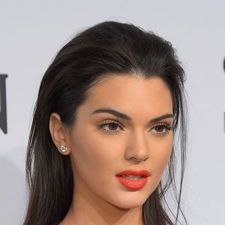 Kendall Jenner flashes a huge bling on her ring finger; Is she engaged to her boyfriend?