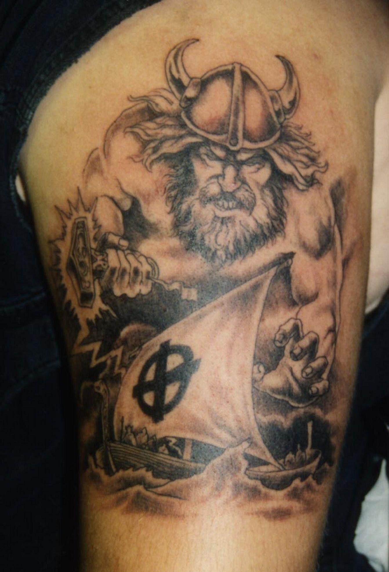 Real Viking Arm Tattoos Design Tatouage viking, Drakkar