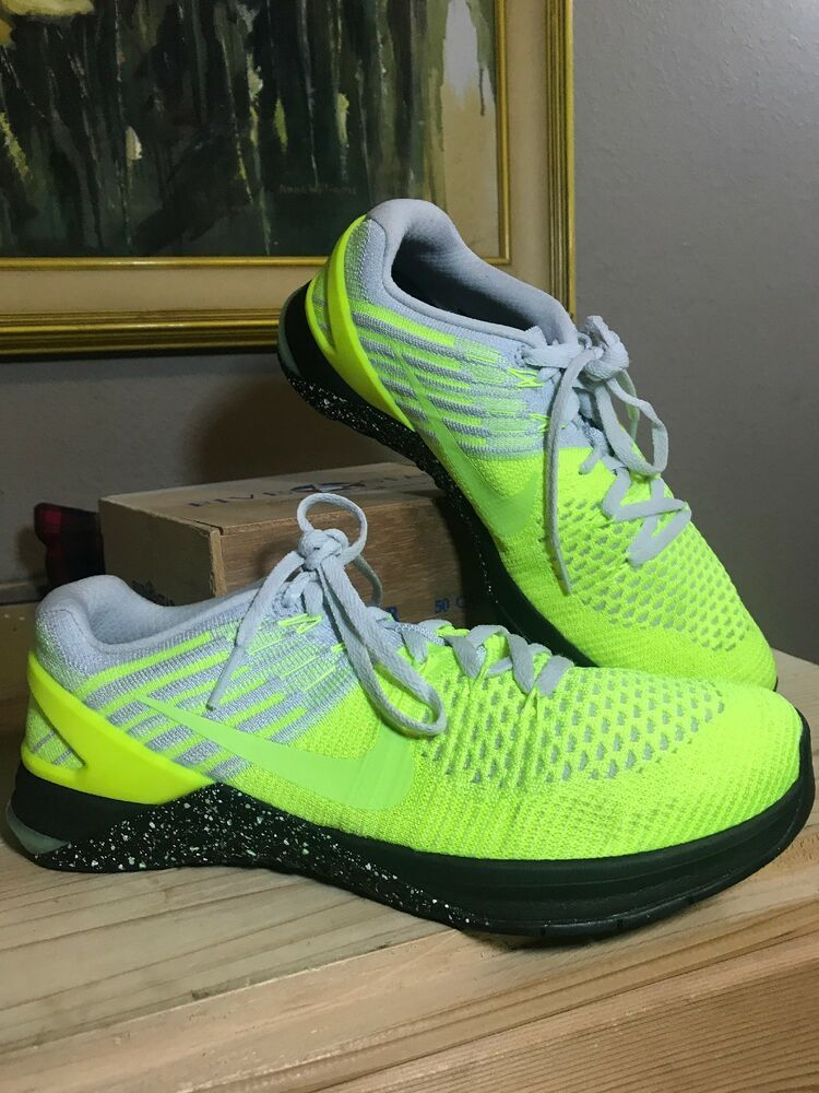 new style 95ac6 08f4a NIKE Metcon DSX Flyknit 2016 852930-701 Training Shoes Ghost Volt Green 8.5    eBay