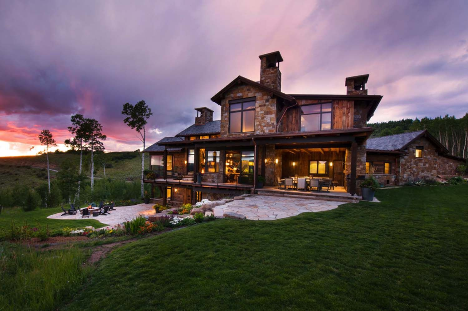 Contemporary mountain retreat in Colorado infused with ...