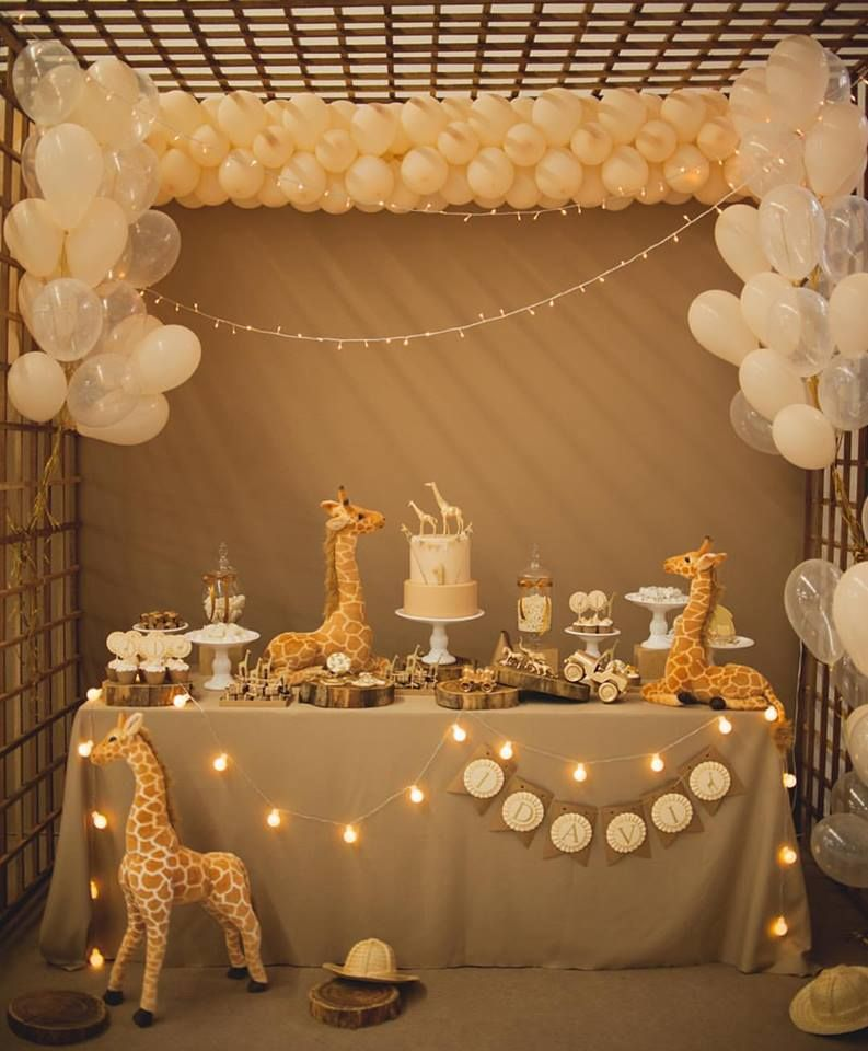 Summer inspired outdoor baby shower decoration ideas baby shower giraffe giraffe and babies - Deco boy ...