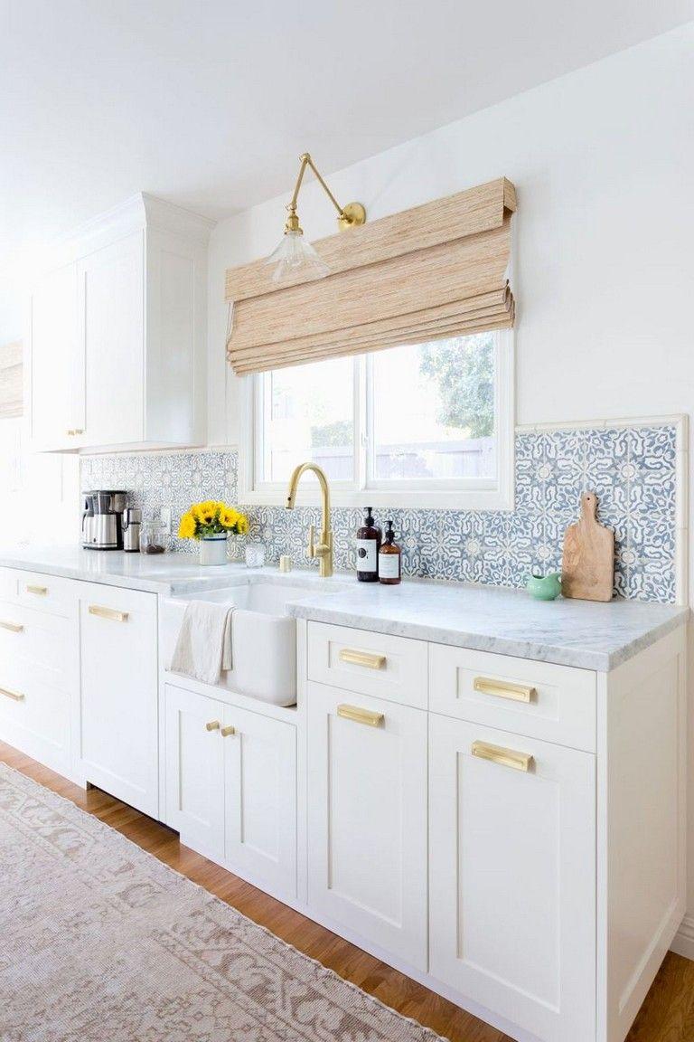 35+ Elegant White Kitchen Backsplash Design Ideas White