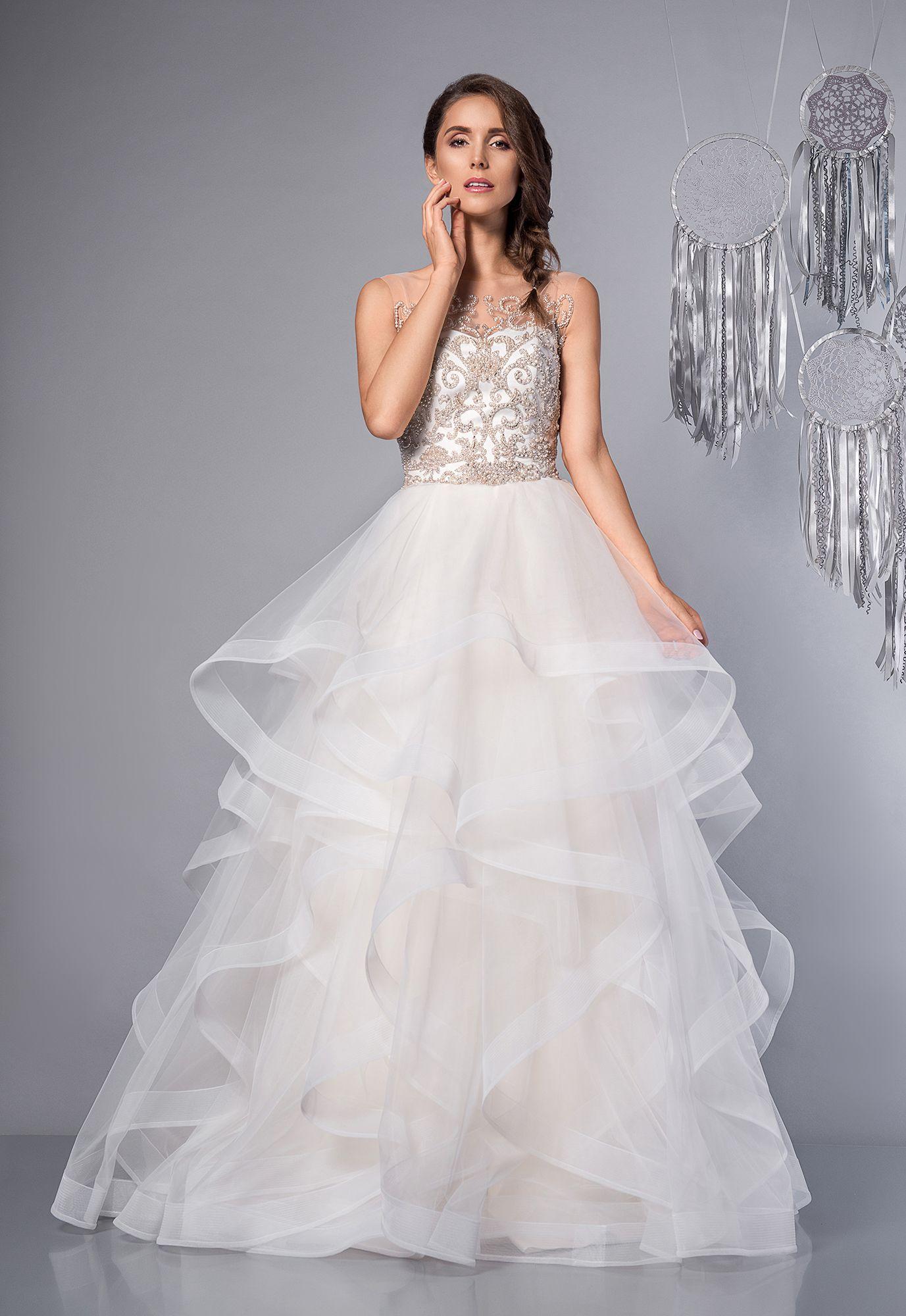 dfcbef522b Rainbow - oszałamiająca suknia ślubna zdobiona