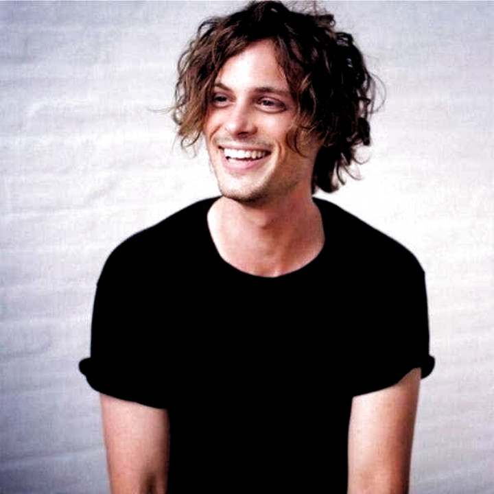 27 Photos Of Matthew Gray Gubler That Are Too Adorable For Words Haircuts In 2020 Matthew Gray Gubler Matthew Gray Long Hair Styles Men
