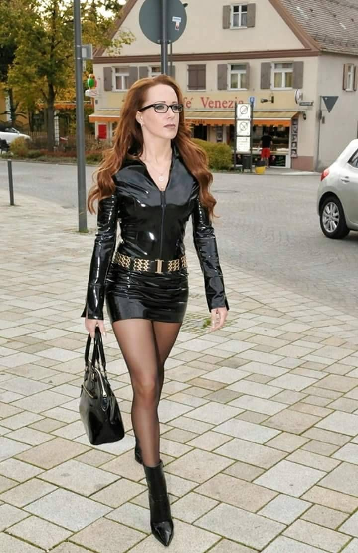 leder lack und latex aus deutschland things to wear pinterest sexy latex beautiful legs. Black Bedroom Furniture Sets. Home Design Ideas