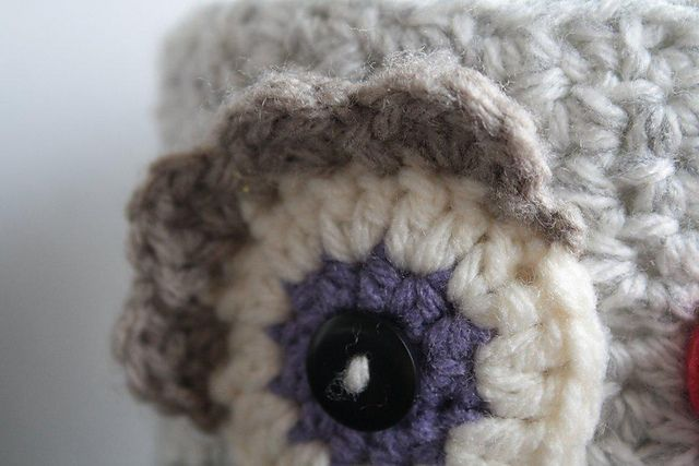 Amigurumi Eyes Pattern : Ravelry download pattern for an owl toilet paper cover. i'd use the