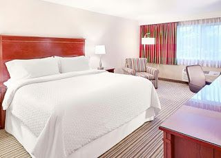 Four Points by Sheraton Bellingham Hotel and Conference Center : Breakfast and Brews Business Package at the Four P...