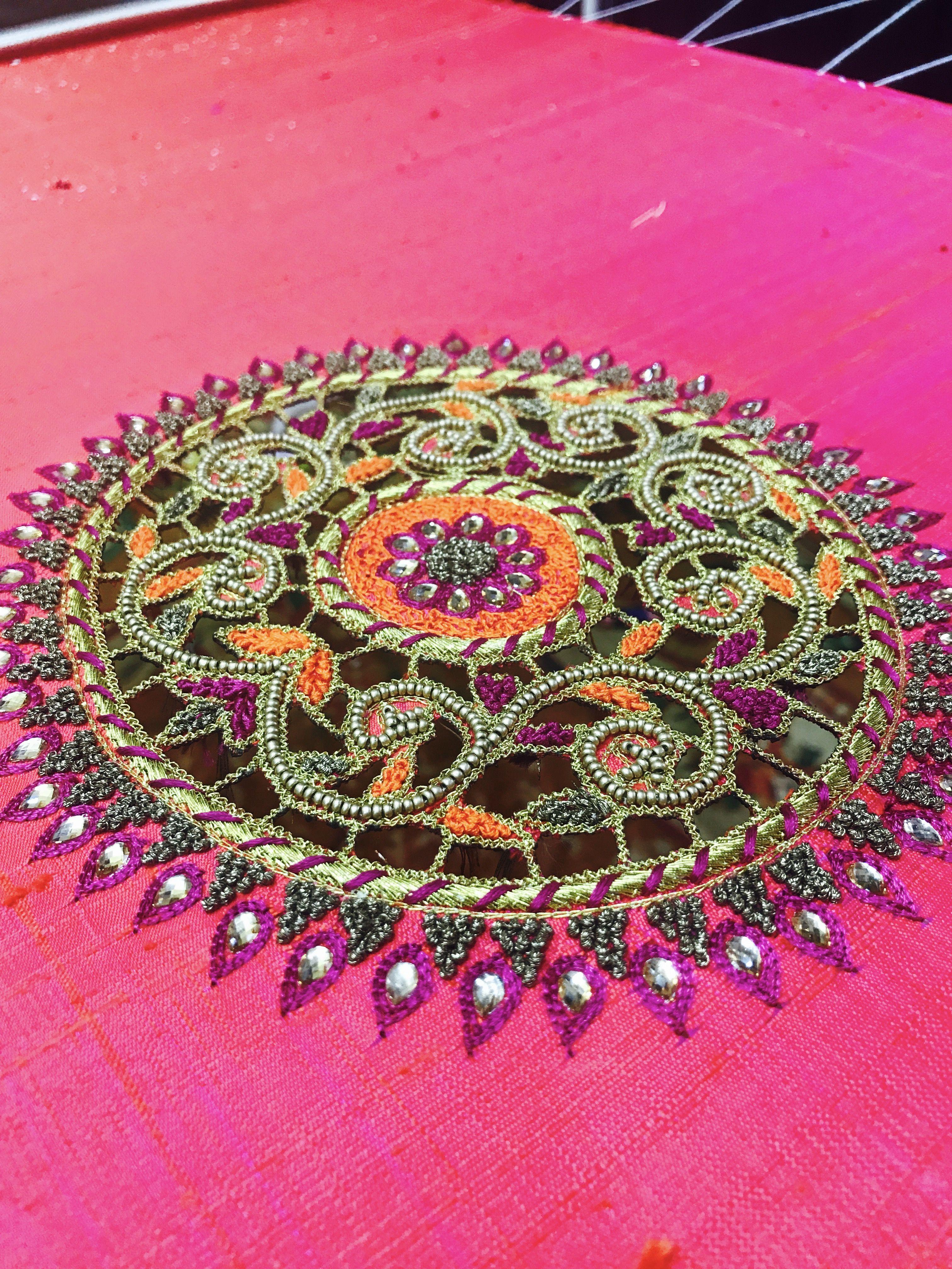 Pin de Srilatha en Blouses   Pinterest