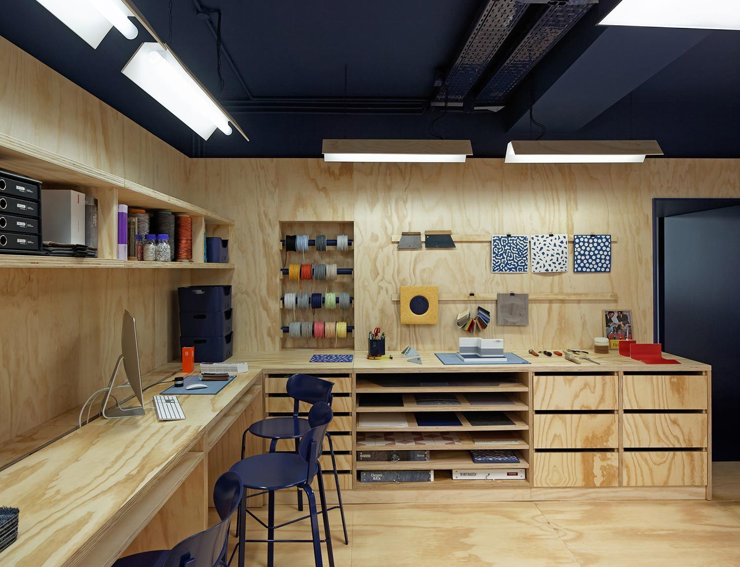 Photo of Atelier Tarkett from 5.5 retail architecture stand scenography scenograph …
