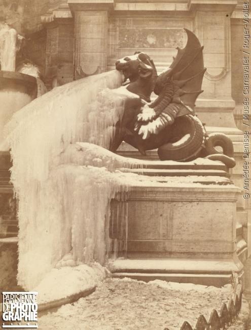 La fontaine Saint-Michel gelée par Amédée Denisse. vers 1860-1880