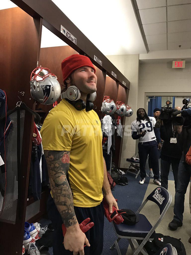 Chris Long Dresses As Julian Edelman And Other Player Costumes Julian Edelman Chris Long Edelman