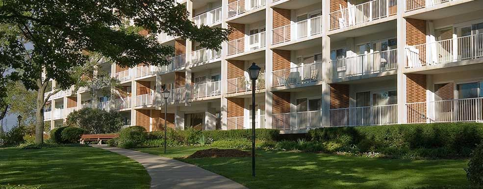 Exterior Of Apartments At Ohio Living Westminster Thurber In Columbus Ohio In 2020 Apartment Style Downtown Columbus Ohio Urban Garden