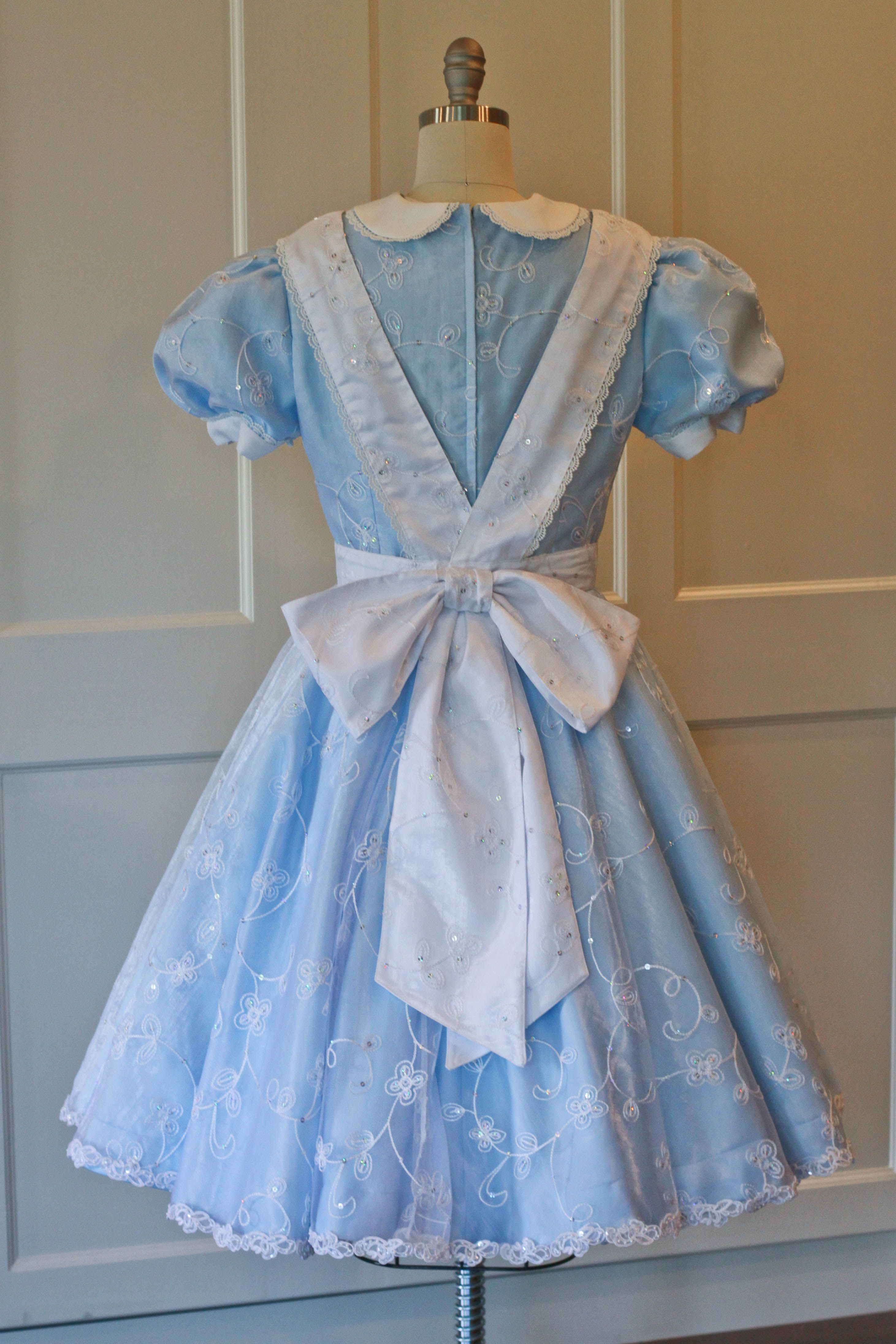 Disney Park S Dress Replica Alice In Wonderland Costume With