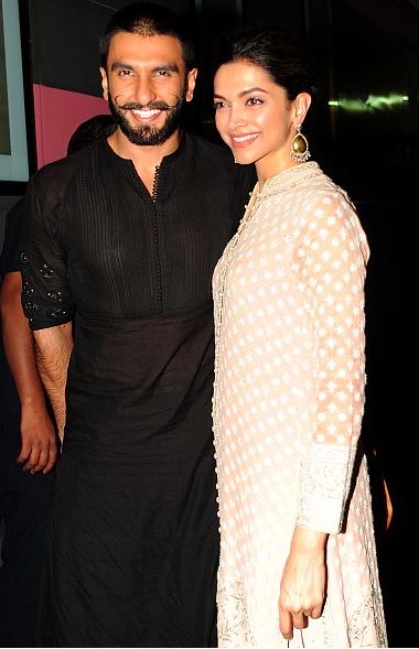 Deepika Padukone And Ranveer Singh Relationship Heats Up Bajirao Mastani Star In Love Ranveer Singh Wedding Dresses Men Indian Mens Kurta Designs