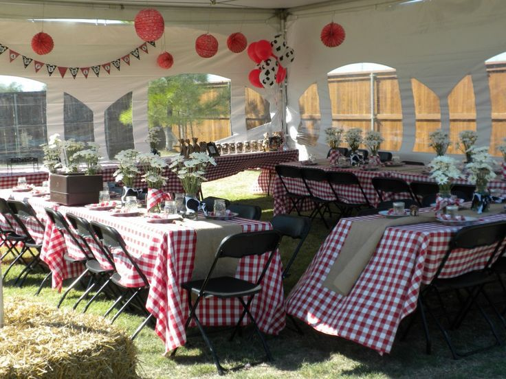 Red white checkered table cloth backyard rehearsal for Outdoor dinner party decorating ideas