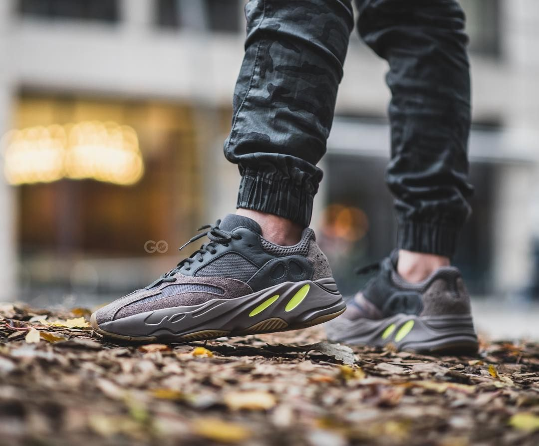 "92fcede5be4d9 Sean Go on Instagram  ""Is the  adidas Yeezy Boost 700 ""Mauve"" underrated at  this point  .  adidasca  kuwallatee"""