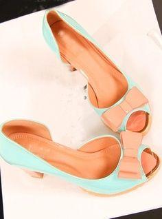 Daha fazla Yeşil-pembe uyumu hoş bir ayakkabı görmek için