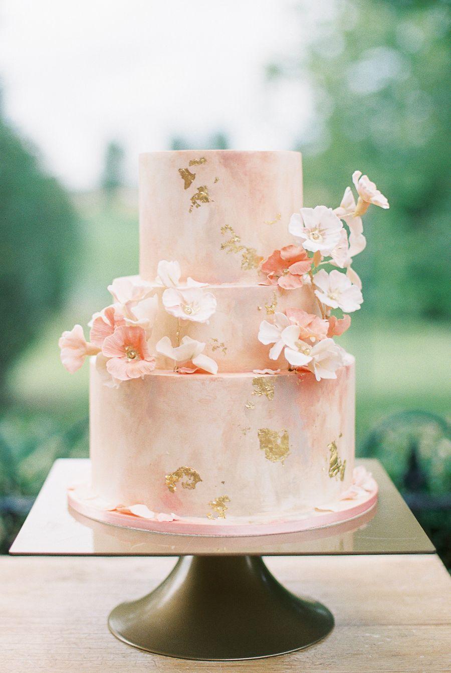 ombre blush wedding cake - blush wedding color