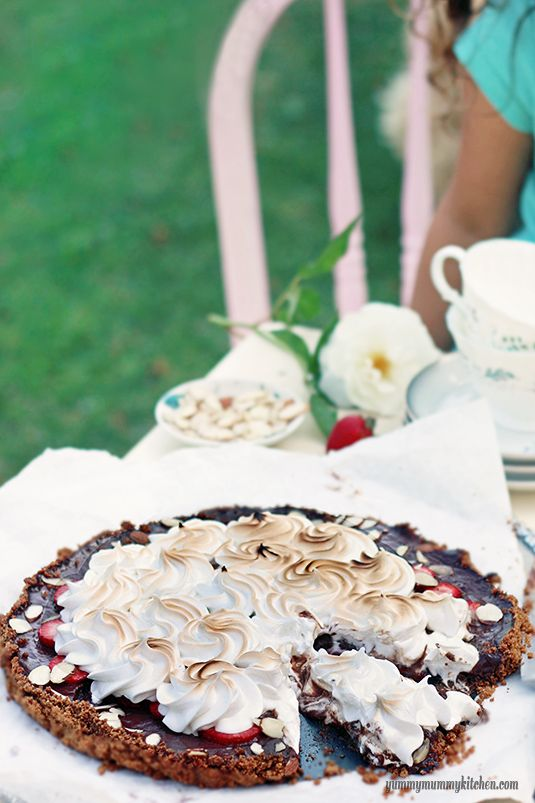 S'mores Pie with Strawberries and Almonds from {YummyMummyKitchen.com} #summer #dessert  Chocolate filling recipe from Cooking Light