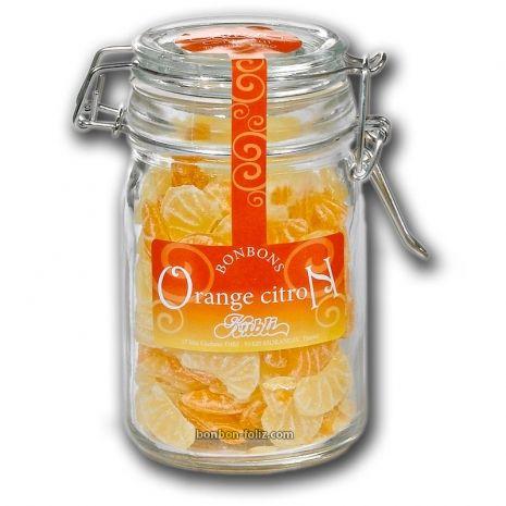 faire mac rer des corces d 39 orange ou citron dans du vinaigre blanc tout b te pendant 2. Black Bedroom Furniture Sets. Home Design Ideas