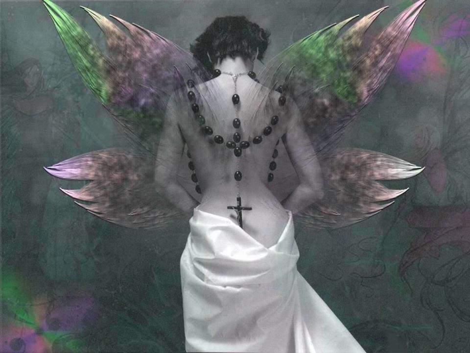 A deformidade do corpo não afeia uma bela alma, mas a formosura da alma reflete-se no corpo.     Séneca