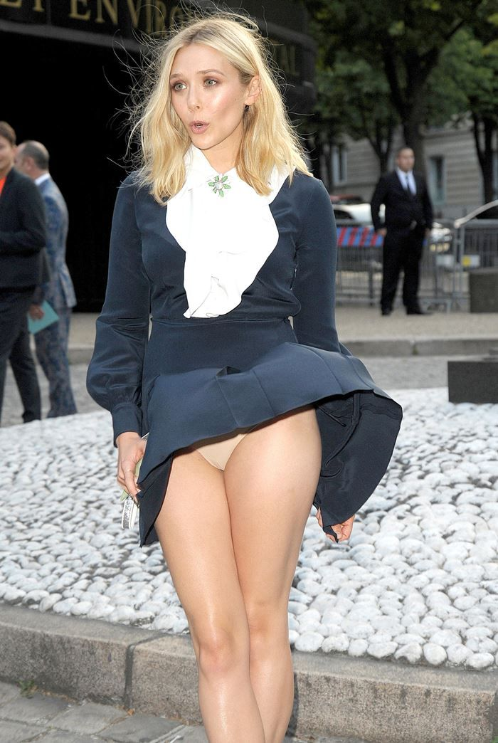 Elizabeth Olsen Accident Upskirt In Paris Celebs Elizabetholsen
