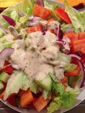 Condimento per insalata con yogurt (senza crema) adatto a tutte le insalate