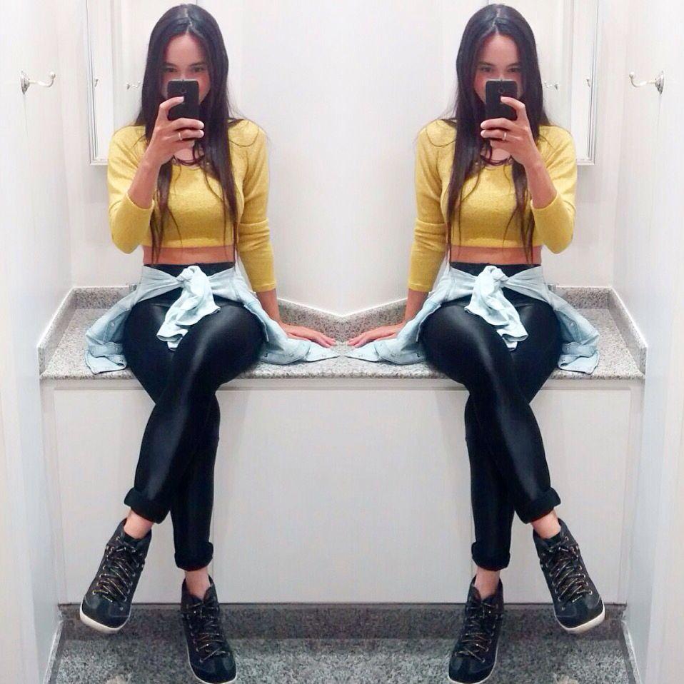 Oi meninas!!! Disponível no site... Calça disco preta R$139,90 do PP ao GG e cropped tricot por R$49,90 disponível na cor rosa Tb !  Onde comprar? www.lilivestemi.com.br