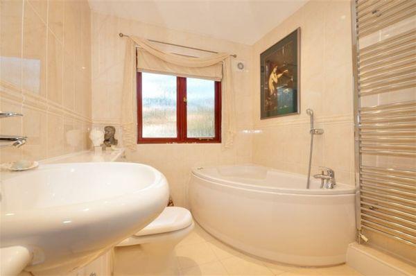 Badezimmer Mit Eckbadewanne beige badezimmer eckbadewanne bad eckbadewanne