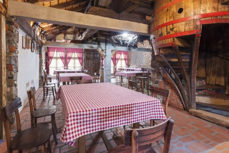 Decorating Ideas for a Country Style Restaurant | Projects ...