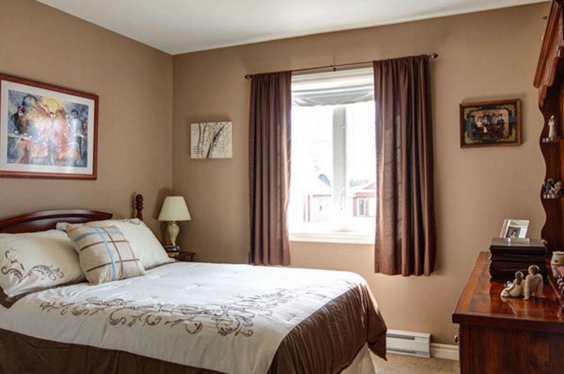 Curtains For Small Bedroom Windows Beige Walls Bedroom Brown Bedroom Walls Bedroom Wall Colors