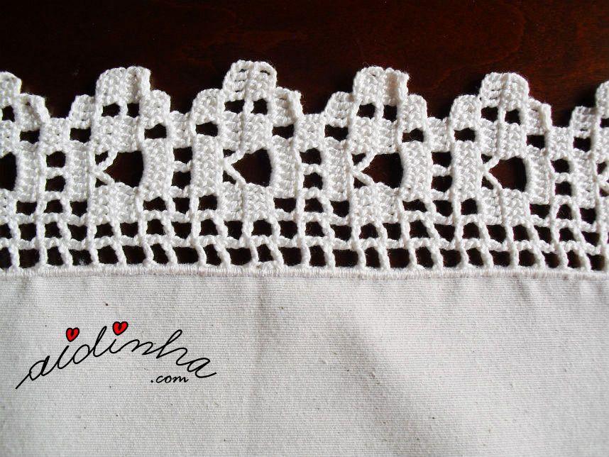 Vista do picô de crochet, de um dos lados do naperon