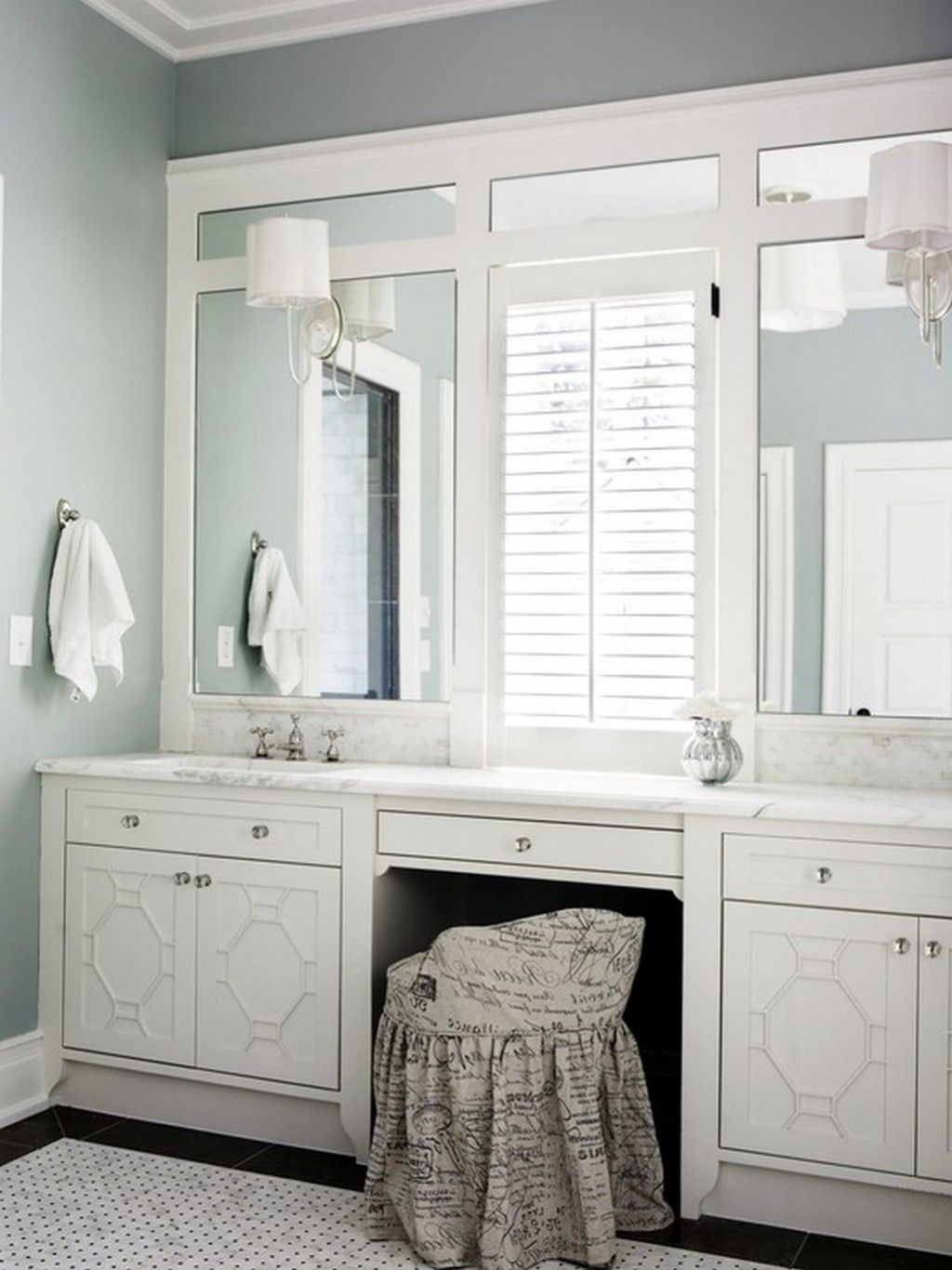 Bathroom Vanity Lights Mounted On Trimmed Out Plate Mirror