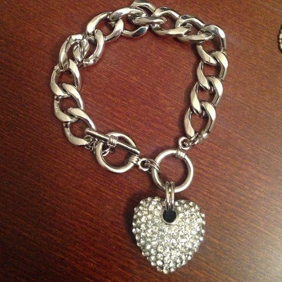 Diamond heart charm bracelet Very cute diamond heart charm