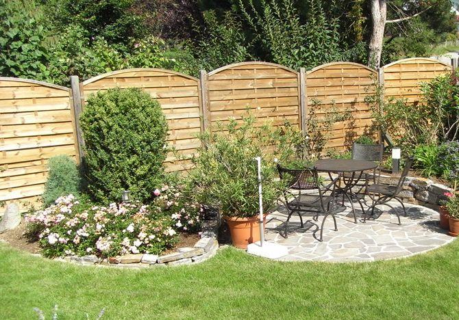 Photo of In jedem Garten findet sich ein gemütlicher Sitzplatz
