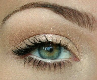Soft shimmer shadow just a shade darker than your skin tone makes for the perfect natural look