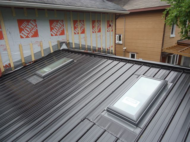 Skylights In Metal Roof With Images Fibreglass Roof