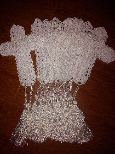 Cruces tejidas en recuerdos del primera comunion buscar for Manualidades souvenirs navidenos