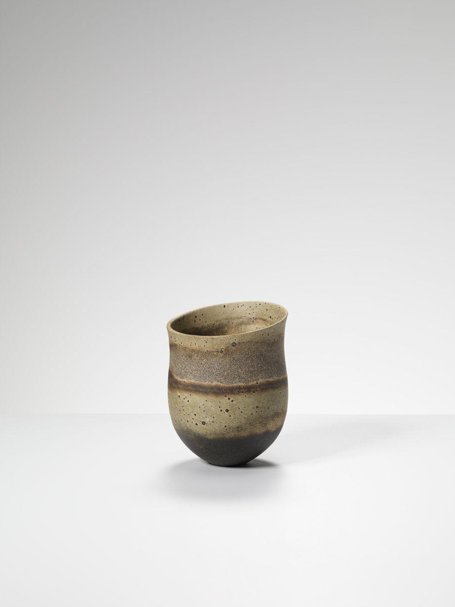 Jennifer Lee Ceramics From Her 2013 Solo Exhibition At Erskine Hall Coe In London Jenniferleeceramics Ceramic