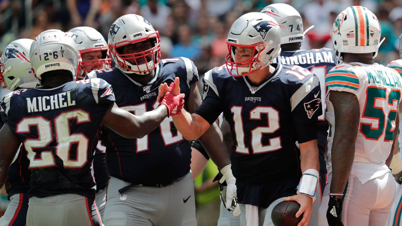 Patriots Score Twice On Interception Returns To Hammer Dolphins Sportsnet Ca With Images Nfl History Nfl Latest Sports News