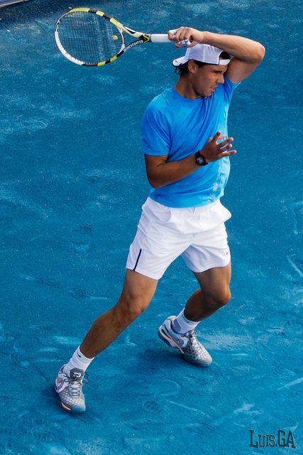 he looks sooo good in blue... | Tennis clothes, Nadal ...