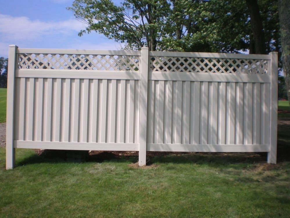 Do It Yourself Pvc Deck Railings How To Install Composite Fencing At A Slope M 1000 In 2020 Fence Panels Vinyl Fence Panels Fence Design
